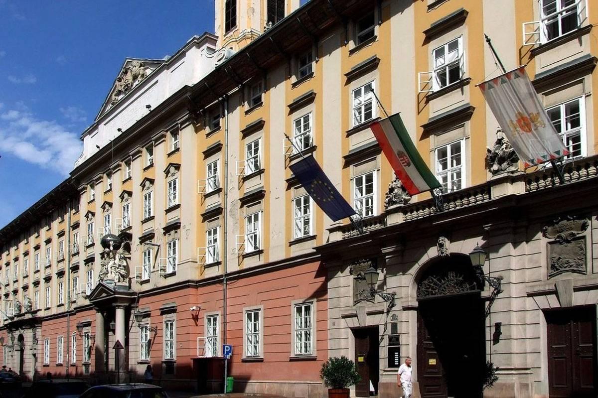 Felújítják a budapesti Városháza homlokzatát