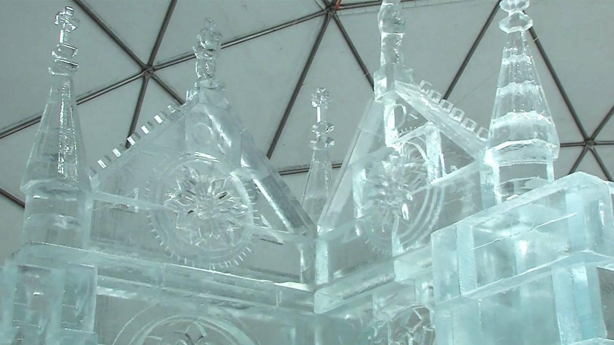 A párizsi Notre-Dame mintájára épül a magas-tátrai jégkatedrális