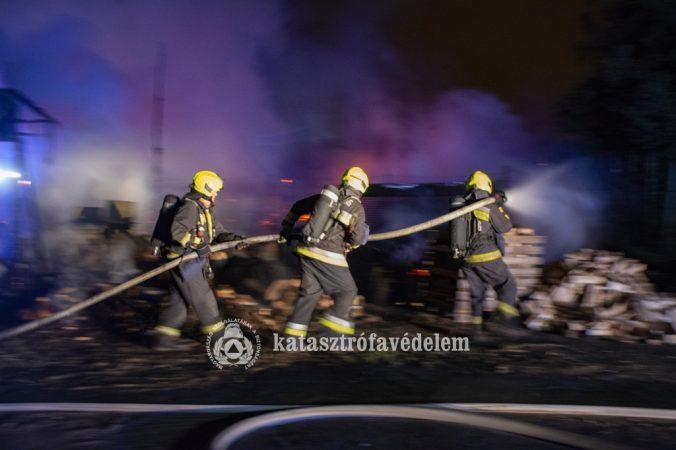Faanyagok gyulladtak meg a XVII. kerületben