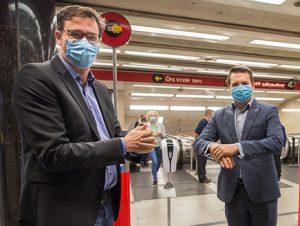 Tizenhárom forgalmas metróállomáson biztosítja a kézfertőtlenítés lehetőségét a BKK