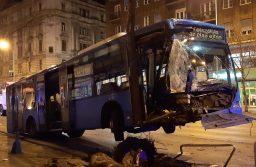 Elszabadult egy autóbusz a Rákóczi úton