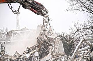Beton épületek bontása professzionális munkagépekkel