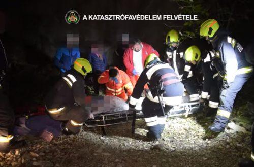 Tizenöt métert zuhanva szakadékba esett egy fiatal férfi – videó a mentésről