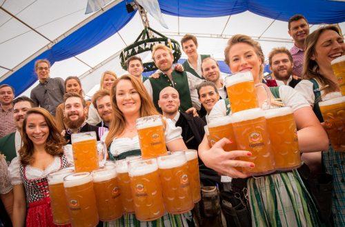 Literes korsó, sramli zene, bajor perec és német sörremekek október 7-10 között
